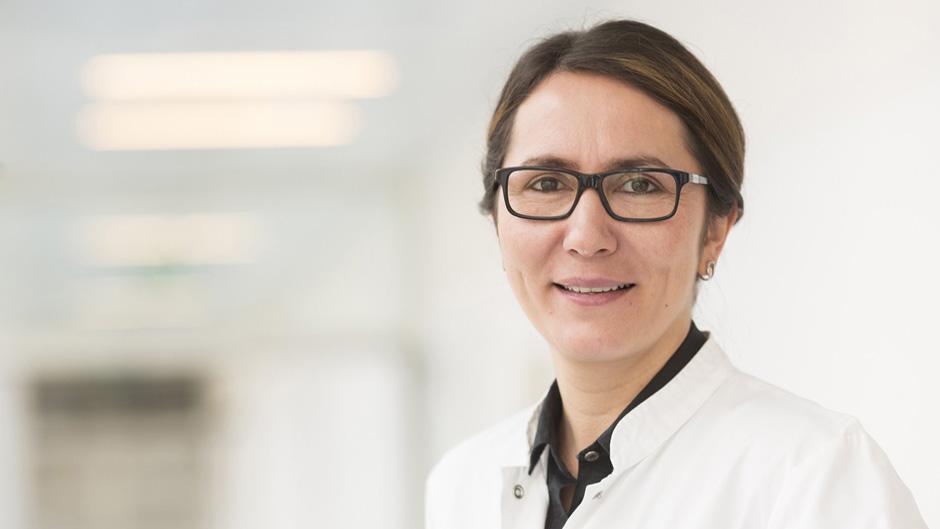 """100. gynäkologische Operation mit """"da Vinci""""-Roboter in UKL-Frauenklinik"""