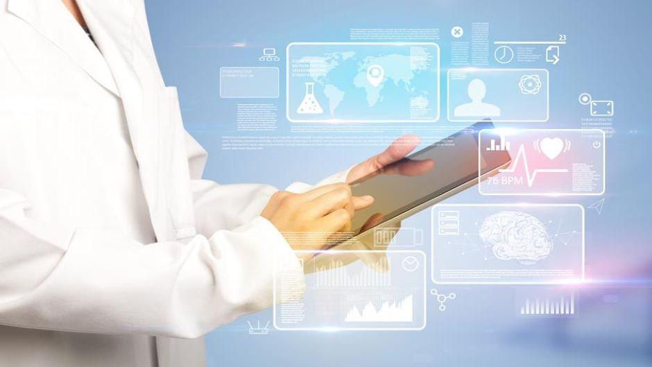 Dokumentation klinischer Studien mittels Künstlicher Intelligenz beschleunigen