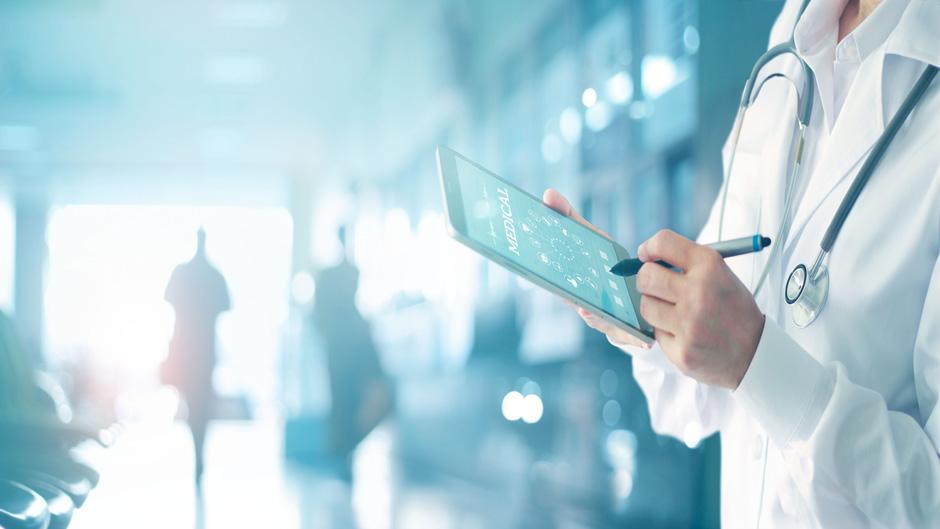 Titelstory Krankenhaus-IT Journal - KHZG-Konjunkturpaket als Paukenschlag für Anwender und Industrie