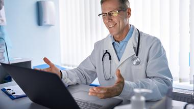 Kliniken nehmen telemedizinisches Angebot für Corona-Patienten sehr gut an