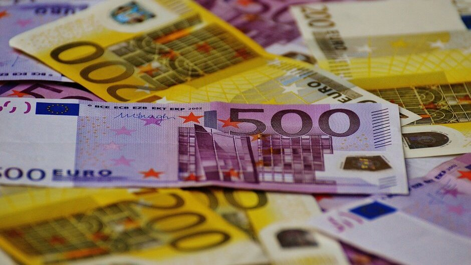 money-1508434_1920(1)(1).jpg