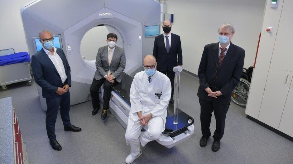 Strahlenklinik erhält neues hochmodernes Bestrahlungsgerät