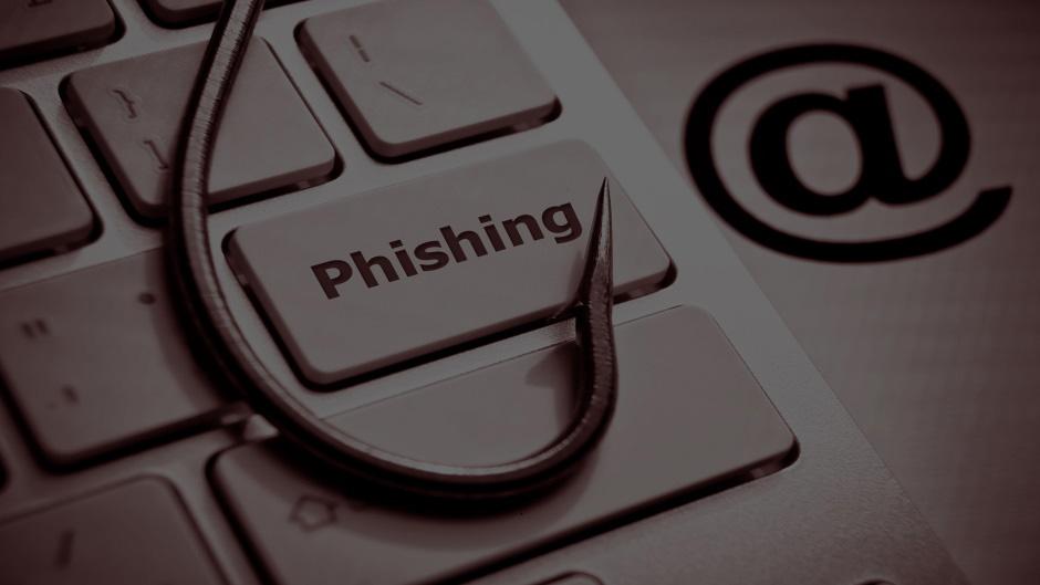 Schützen Sie Ihre Mitarbeiter vor Cyberangriffen – genauso wie Ihre medizinischen Systeme